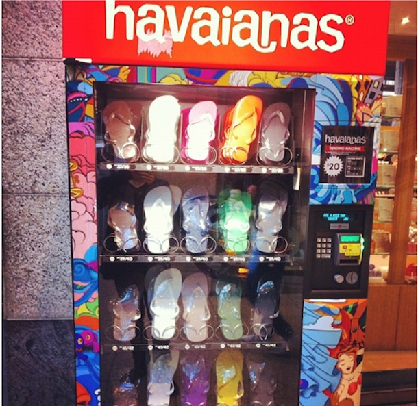 dff409de8 Havianas Thong Vending